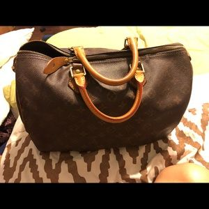 SOLD SOLD Authentic Louis Vuitton Speedy 35